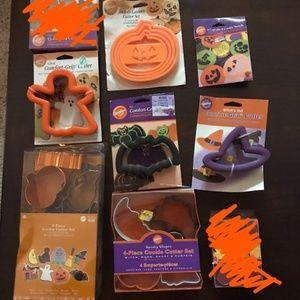 Bundle of Wilton Halloween Cookie Cutters NWT